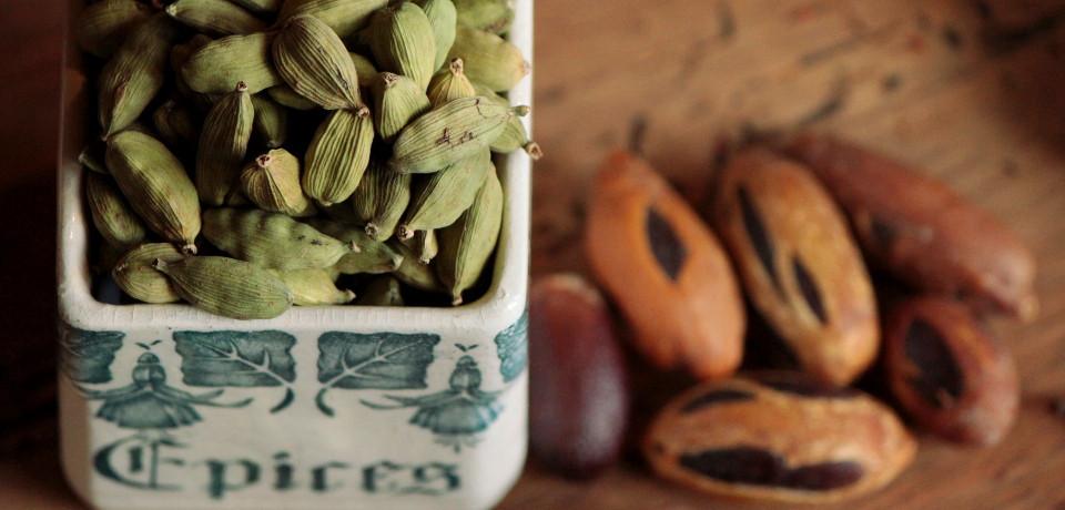 Épices entières et graines